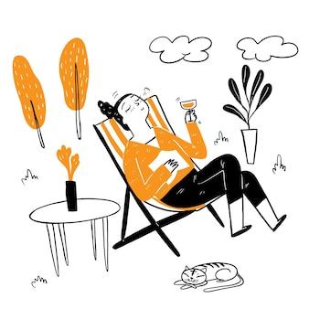 Bella donna seduta su una sedia a sdraio a bere cocktail fantasia, indossa una camicia a maniche lunghe, un grande sorriso felice in un ambiente rilassato. stile di doodle di illustrazione vettoriale di disegno a mano