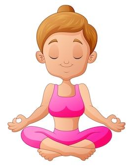 Ragazza graziosa che pratica yoga nella posizione del loto