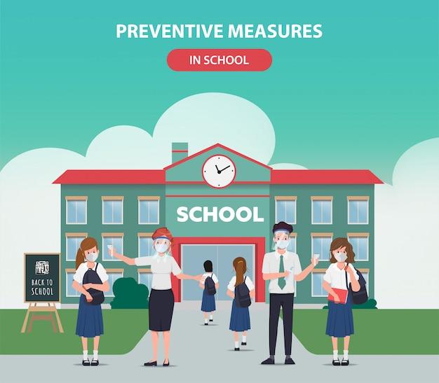 Misura preventiva nel concetto di scuola con carattere di insegnanti. ritorno a scuola in quarantena.