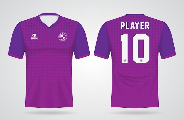 Modello di maglia sportiva viola per le divise della squadra e il design della maglietta da calcio Vettore Premium