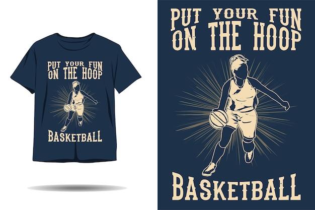Metti il tuo divertimento sul design della maglietta con silhouette da basket a canestro