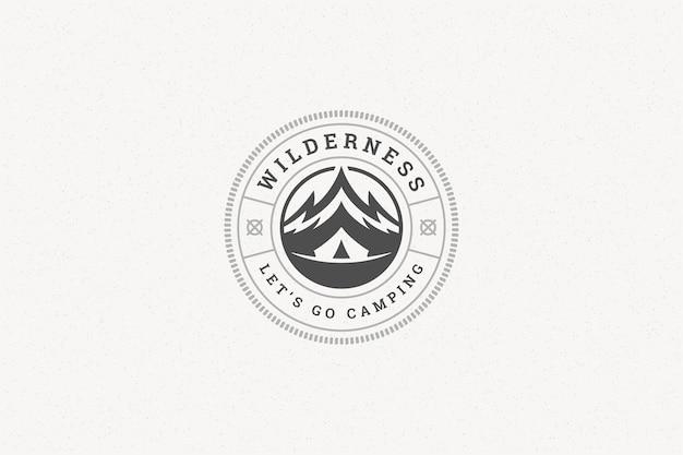 Citare tipografia con simbolo di roccia di montagna disegnato a mano per biglietto di auguri o poster e altro.