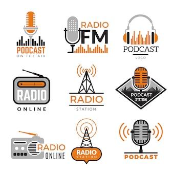 Logo radio. raccolta di simboli della stazione radio dei distintivi senza fili delle torri del podcast
