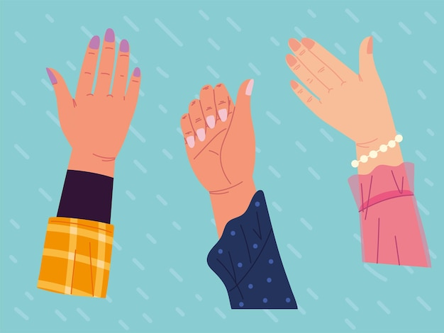 Mani alzate con la manicure