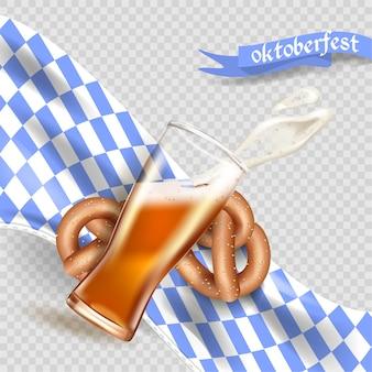 Modello pubblicitario realistico spruzzata di schiuma e birra da una tazza di vetro, bretzel, bandiera bavarese, tradizione nazionale tedesca, oktoberfest