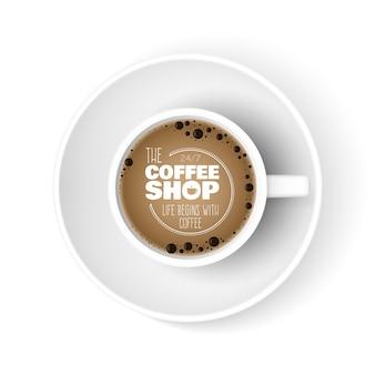 Tazza di caffè realistica. tazza di vista dall'alto, banner pubblicitario di caffetteria. mattina espresso americano