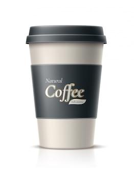 Caffè realistico in tazza di carta usa e getta con coperchio