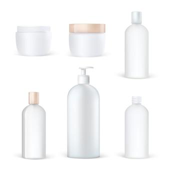 Set di imballaggi cosmetici realistici di bottiglie di plastica pulite