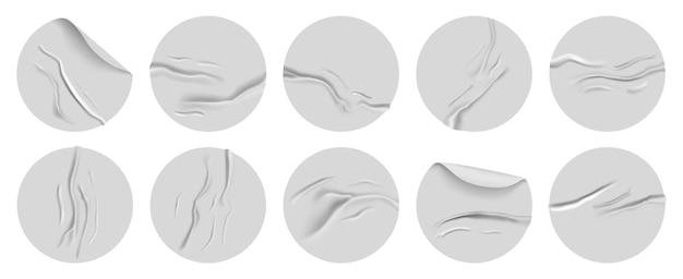 Insieme realistico dell'illustrazione dell'autoadesivo di carta sgualcito