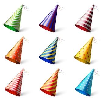 Realistici copricapi festivi diversi con vari modelli