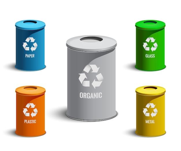 Bidoni della spazzatura realistici isolati su priorità bassa bianca