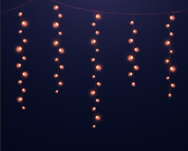 Ghirlande luminose realistiche. luci incandescenti per la progettazione di cartoline di natale.