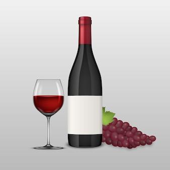 Brunch realistico dell'uva, bicchiere di vino e bottiglia di vino rosso.