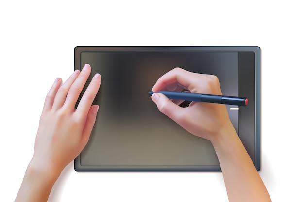 Le mani realistiche utilizzano una tavoletta grafica e uno stilo.