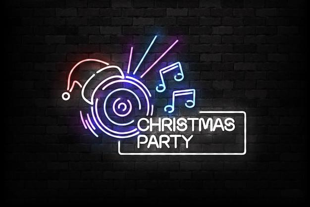 Insegna al neon isolata realistica della festa di dj di natale per la decorazione dell'invito di buon natale e felice anno nuovo