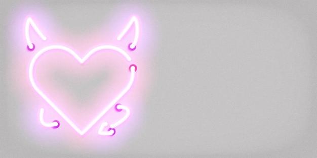 Segno al neon isolato realistico del cuore del diavolo