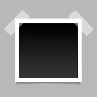 Cornice fotografica realistica su nastro adesivo