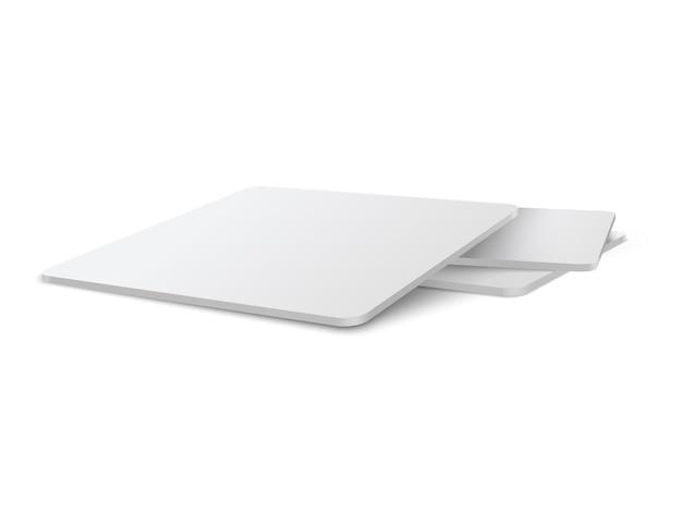 Set di mockup di sottobicchieri da tavolo quadrato realistico. beermat quadrato, bierdeckel isolato su sfondo bianco con ombra.