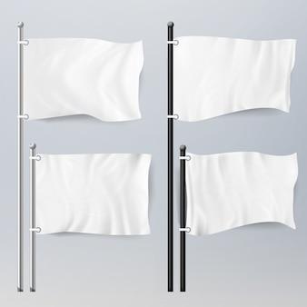 Modello realistico bandiere bianche vuote