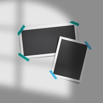 Set vettoriale realistico di modelli di foto vintage con sovrapposizione di ombre di nastri adesivi dalla finestra. luce ambiente morbida e realistica. design vintage e retrò. modello di cornice per foto retrò.