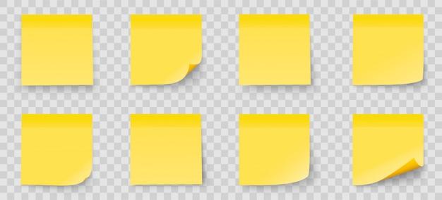 Nota reattiva del bastone dell'insieme isolata su fondo trasparente. colore giallo. raccolta delle note di post-it con ombra