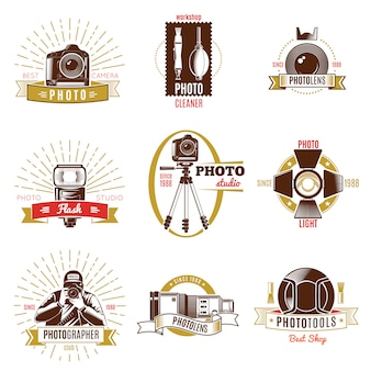 Etichetta di fotografo retrò con titoli diversi nastri oro e rosso sul tema della fotografia