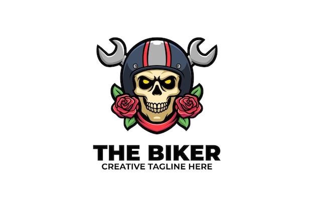 Logo del personaggio della mascotte del motociclista con teschio retrò