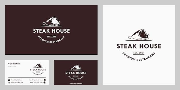 Steak house retrò, design del logo della bistecca di manzo in stile vintage