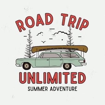 Road trip summer adventure graphic per t-shirt, stampe. emblema del campo disegnato a mano dell'annata. scena di viaggio retrò con alberi, distintivo insolito. etichetta per esterni. vettore di riserva.