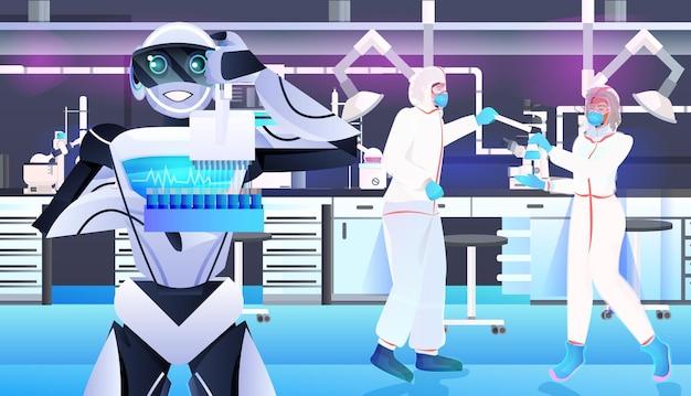 Robot con scienziati in tute protettive che fanno esperimenti nel concetto di intelligenza artificiale di ingegneria genetica di laboratorio