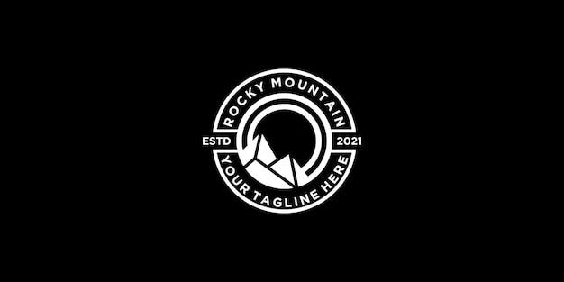 Ispirazione per il logo del design vintage delle montagne rocciose