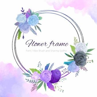 Cornice rotonda di rose blu e viola.