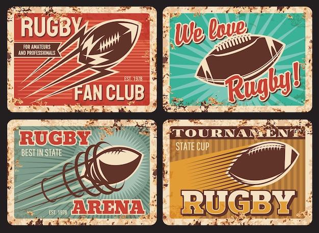 Piastre rugby in metallo arrugginito, carte vintage con palla in movimento e scia. attrezzatura sportiva da football americano