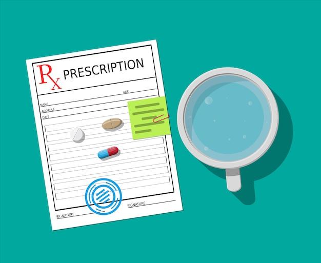 Rx, bicchiere d'acqua e pillole. assunzione di farmaci