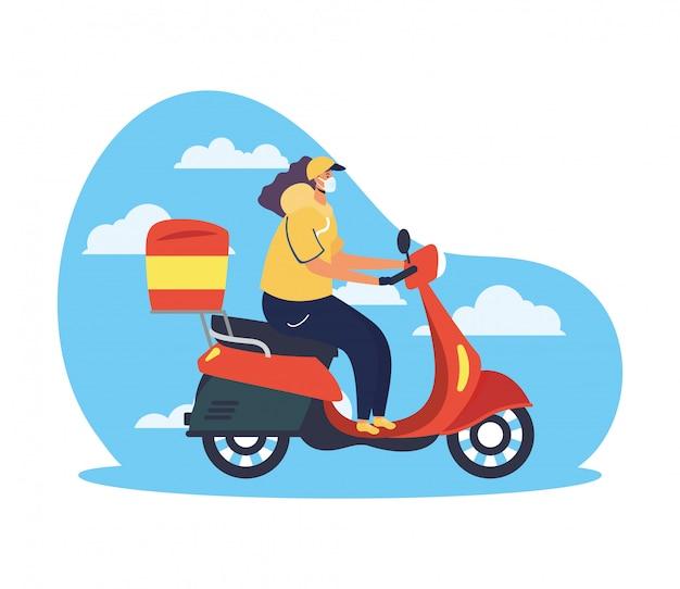 Lavoratrice sicura di consegna dell'alimento in motociclo per covid19