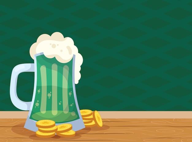 Vaso e monete verdi della birra di celebrazione di san patrizio