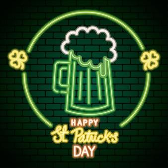 Luce al neon di giorno di san patrizio con illustrazione di bevanda di birra