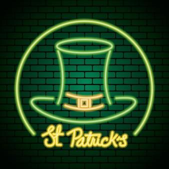 Luce al neon di giorno di san patrizio con l'illustrazione del cappello del leprechaun