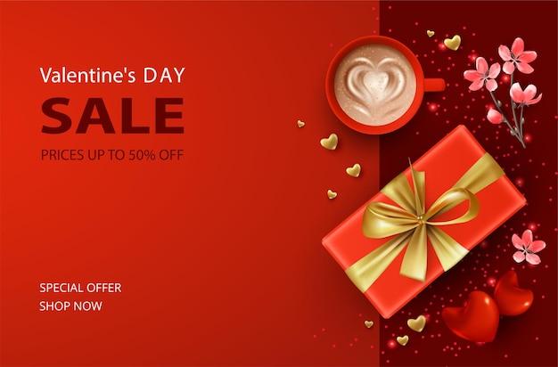 Progettazione di vendita del banner di san valentino con un regalo e una tazza di caffè