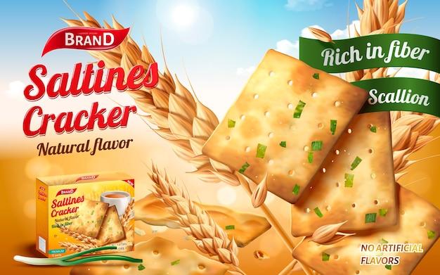 Annunci di cracker salati, gustosi salatini in sapore salato e scalogno con ingredienti isolati su sfondo bokeh