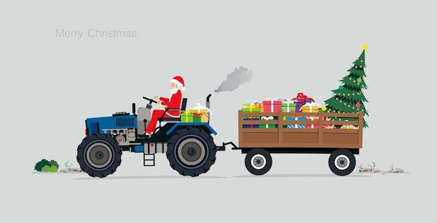Santa guida un trattore con scatole regalo e alberi di natale