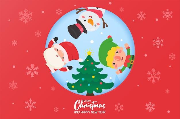 Babbo natale e pupazzo di neve insieme per decorare l'albero di natale con palline rosse in inverno.