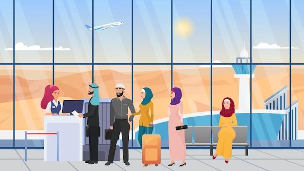 Arabi sauditi in attesa in fila nel terminal dell'atrio dell'aeroporto donna in hijab uomo in vestaglia