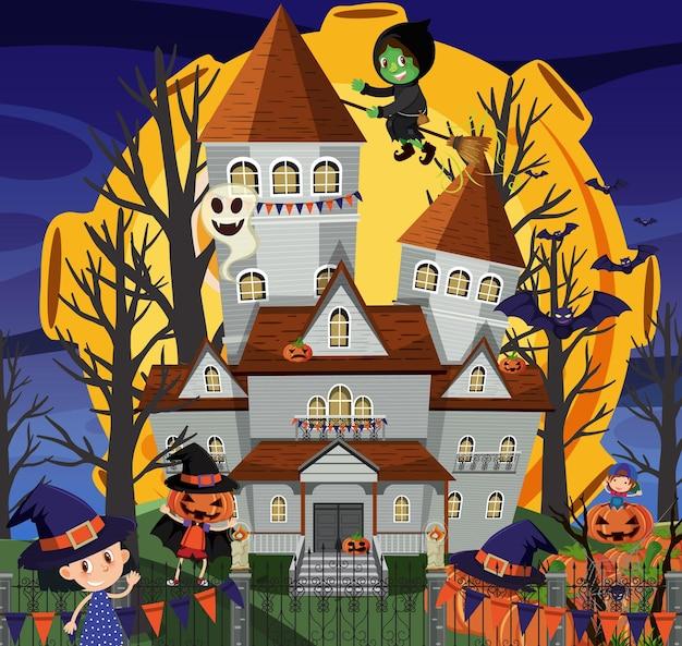 Scena con la casa stregata di halloween di notte
