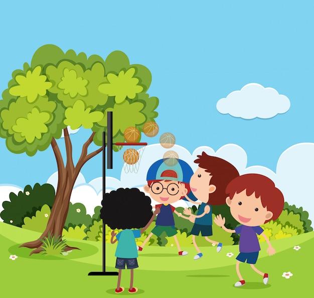 Scena con molti bambini che giocano nel parco