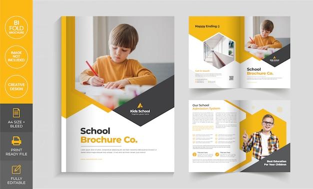 Modello di brochure pieghevole per ammissione alla scuola