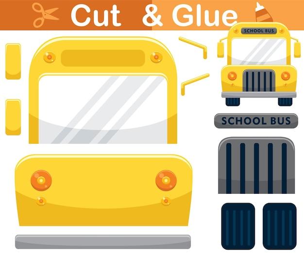 Cartone animato scuolabus. gioco di carta educativo per bambini. ritaglio e incollaggio