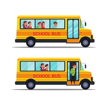Set di illustrazioni di scuolabus. bambini seduti nel trasporto pubblico clipart. alunni che vanno al college. scolari con personaggi dei cartoni animati di zaini. studenti, scolari
