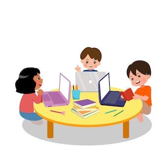 Attività di gruppo di studio scolastico. bambini delle elementari che fanno ricerca insieme per il lavoro a casa insieme a laptop e libri. ragazzo e ragazza che hanno discussione. piatto isolato su sfondo bianco.