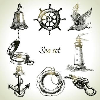 Mare insieme di elementi di design nautico. illustrazioni disegnate a mano